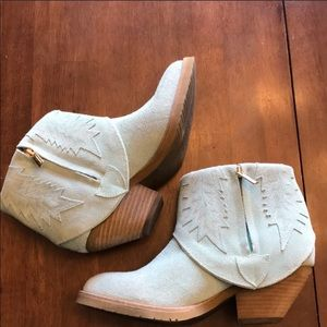 Turquoise Suede Modern Vice Western booties size 7
